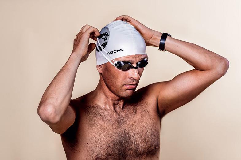 Ottica De Marco – Massimo De Marco – Il paradosso del nuoto