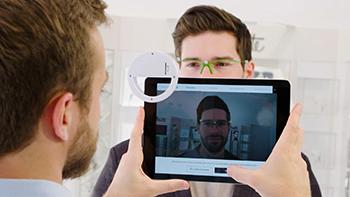 Silhouette ha creato un'app per misurare, personalizzare, visualizzare e ordinare digitalmente le sue montature e le sue lenti.